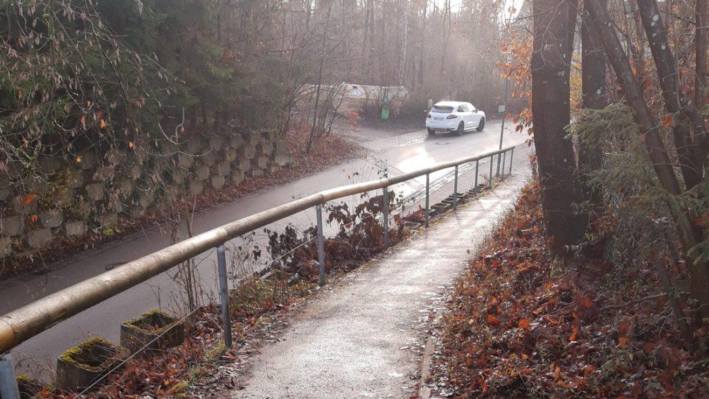 Baldham-Ost: Ingelsberger Weg, Blick nach Südosten