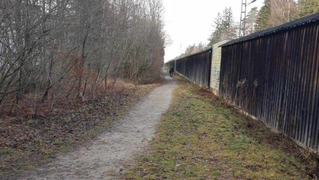Beginn des Bahnwegs vom Ingelsberger Weg aus; Blick nach Westen