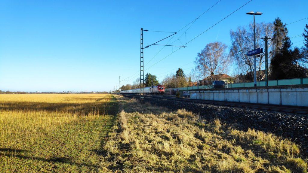 Ab Gronsdorf immer an der Bahn lang